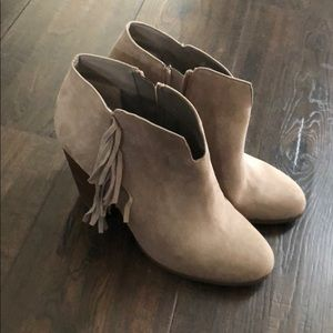 Carlos Size 8 fringe booties